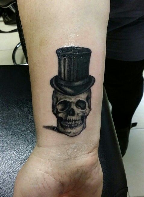 skull with tophat tattoo by me tattoos by me pinterest. Black Bedroom Furniture Sets. Home Design Ideas