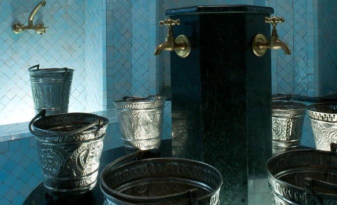 Parce-que Marrakech est une destination Bien-être à part entière, on ne peut y résider sans vivre l'expérience « Hammam & Spa »…