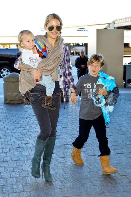 Sunglasses Matthew Bellamy kate hudson boots scarf kids rider robinson Kate Hudson