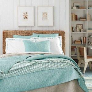 5 chambres coucher douillettes chambre pinterest for Decor chambre coucher