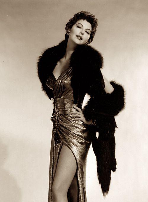 Ava Gardner, now that's a dress! #50s