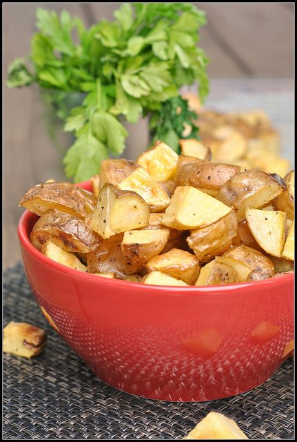 SALT AND VINEGAR ROASTED POTATOES + WEEKLY MENU - http://www ...