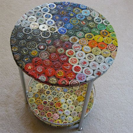 Craft ideas using bottle caps table do it yourself for Cool beer cap ideas