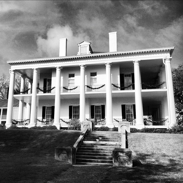 Pin by visit natchez on christmas in natchez pinterest for Pretty mansions