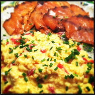 Scrambled eggs with smoked salmon   Recipes from www.francescakookt.n ...