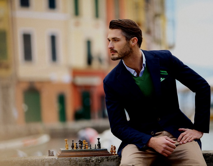 street style: emerald green sweater with navy jacket and beige pants, menswear