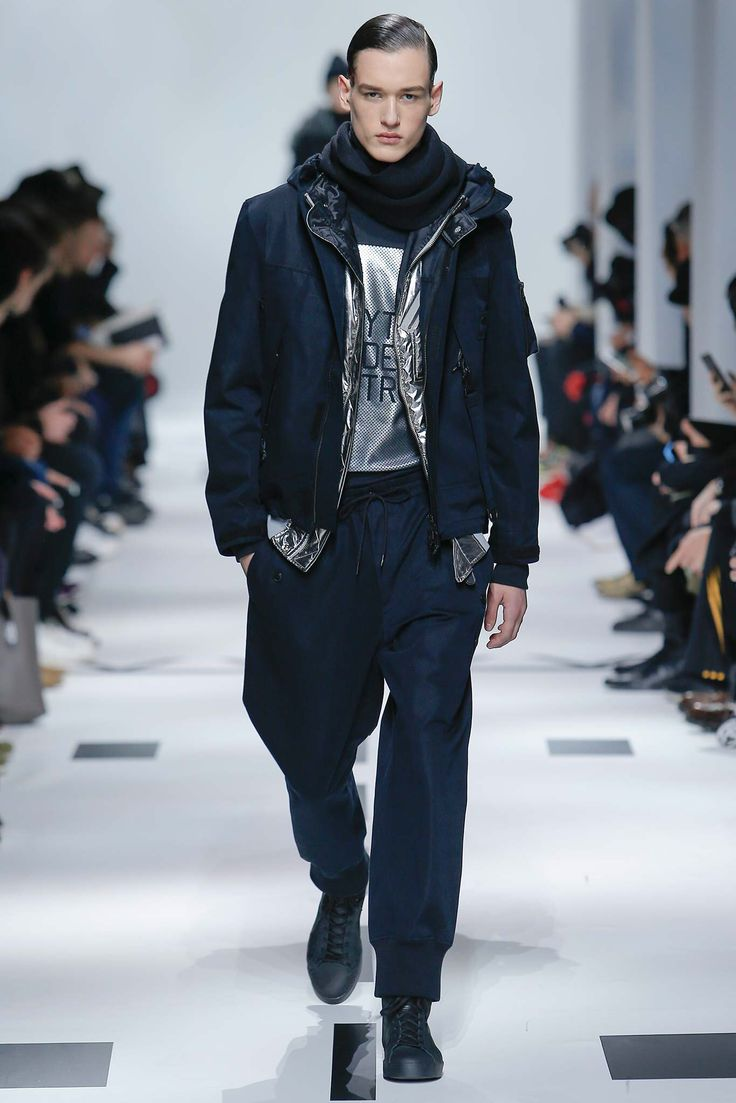 The real life crime scene photos from the assassination of Gianni 2006 fall fashion man trend