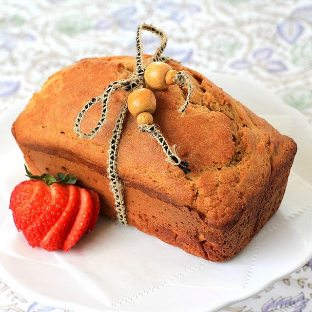 Healthy Lemon Pound Cake and great blog for healthy baking