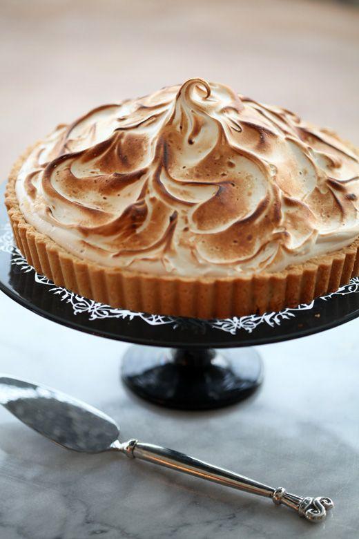Lemon Brown-Sugar Meringue Tart (lemon meringue pie's sophisticated ...
