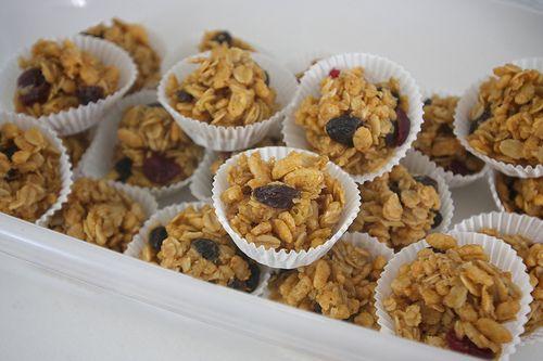 Peanut Butter Granola Balls from Shutterbean: http://www.shutterbean ...