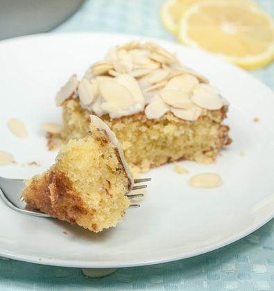 Limone {Lemon Almond Olive Oil Cake}. It tastes like biscotti ...