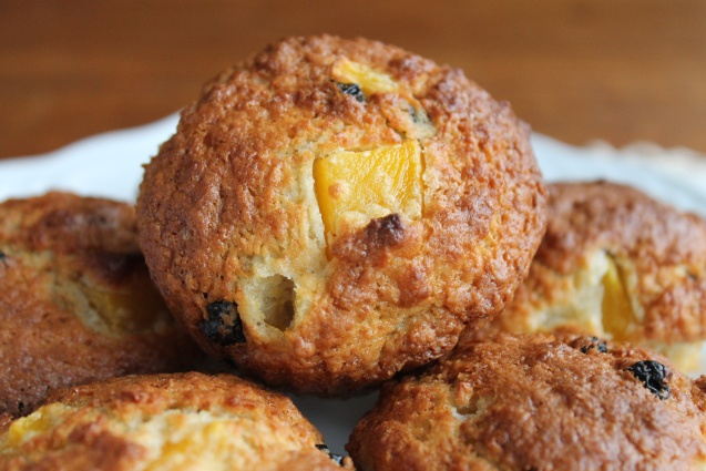 streusel muffins streusel muffins mango blueberry muffins with mango ...