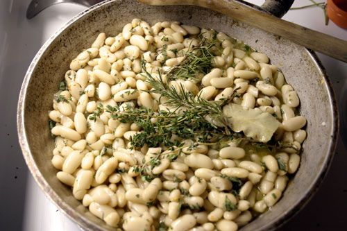 ... and see if i get zoe's kitchen-esque braised white beans … yummmmm