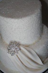 Diamonds Wedding Cake / wedding cakes - Juxtapost