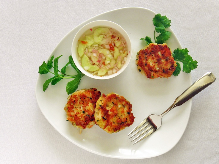 lemongrass crab amp scallop cakes with a spicy cucumber dipping sauce ...