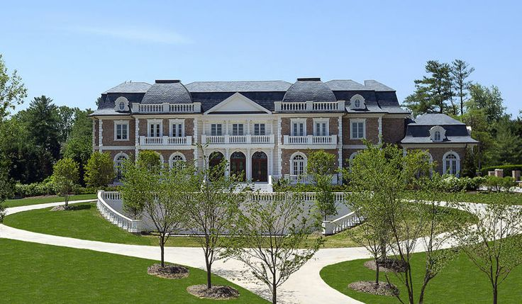 The biggest homes for sale in america for Biggest houses in america for sale