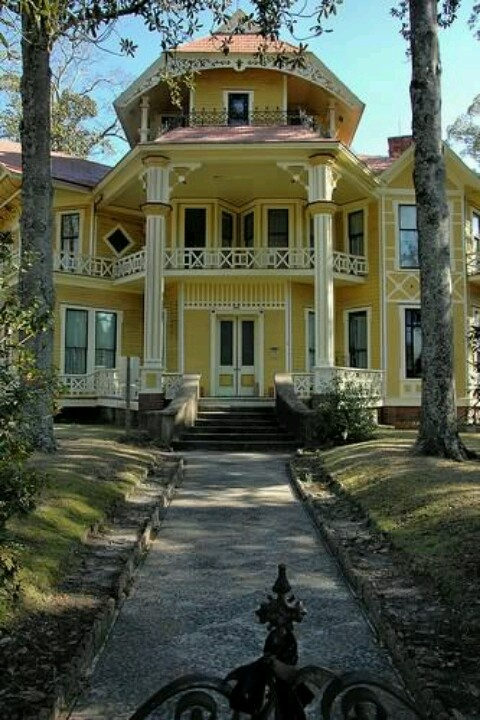 Love This Beautiful Victorian Home In Ga Awesome