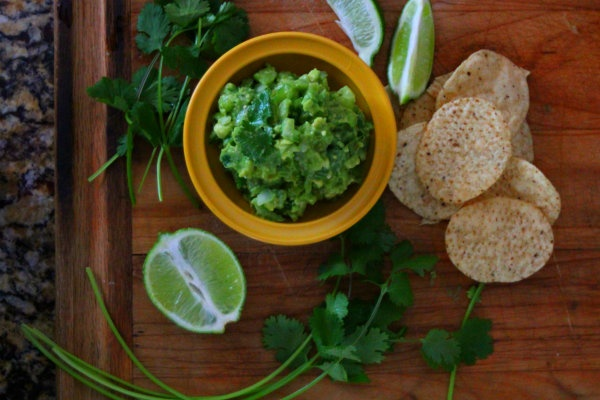 Tomatillo Guacamole Salsa #Dips #DIY #Homemade #MexicanFood
