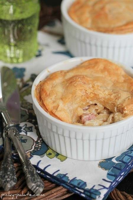 Gruyere, Ham, Mac N Cheese Pot Pies | food | Pinterest