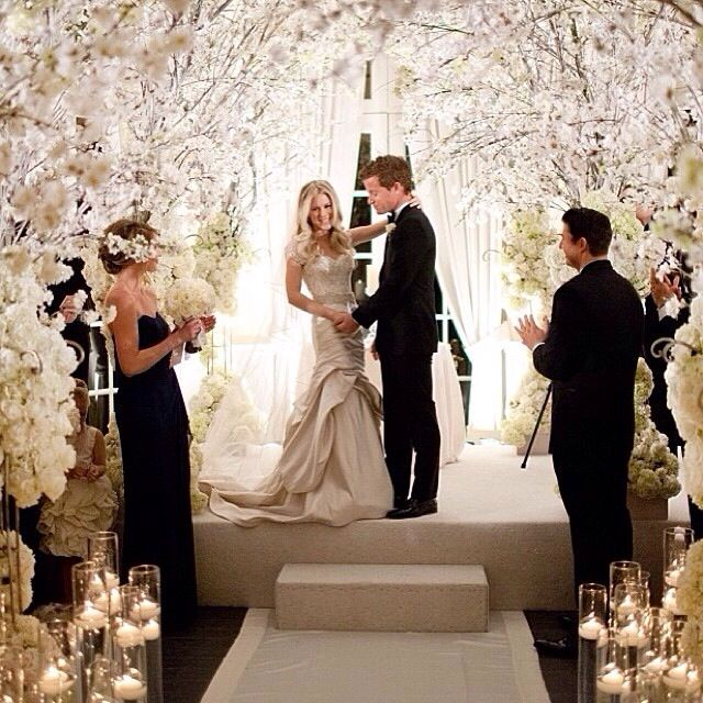 Winter Wedding Ceremony Ideas: Winter Wedding Ceremony