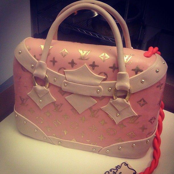 Cake Louis Vuitton Pinterest : Louis Vuitton Cake!!! CAKE COUTURE Pinterest