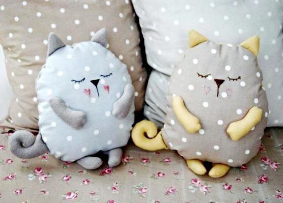 Своими руками игрушки подушки коты