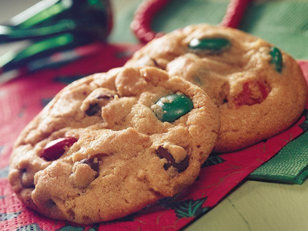 Merry Chocolate Chip Cookies
