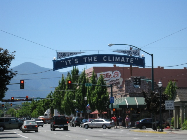 Grants pass oregon oregon pinterest for Best small towns in oregon to live