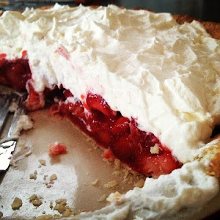 fresh strawberry pie with whipped cream | Favorite recipes | Pinterest