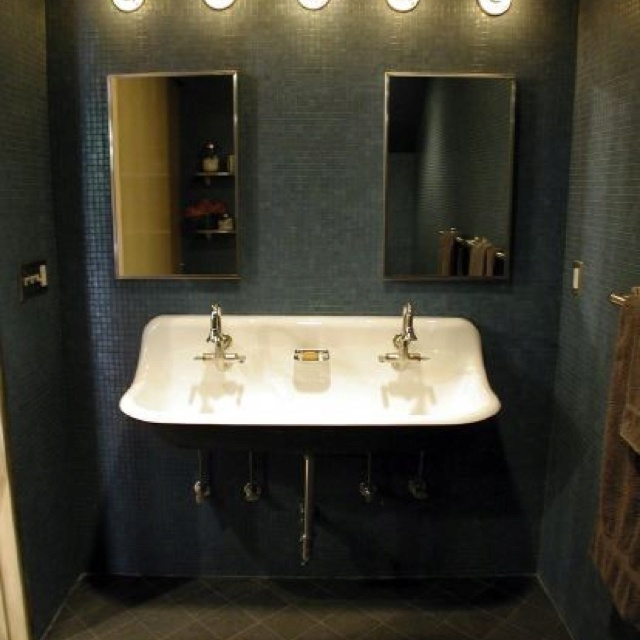 Double sinks in small space. Industrial Chic Pinterest