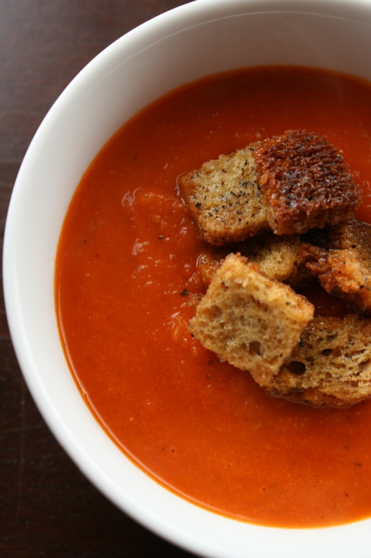 roasted tomato soup with garlic rye croutons