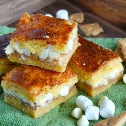 White Chocolate S'mores Cake Bars | Cake Mix, Cookie & Candy Bar Reci...