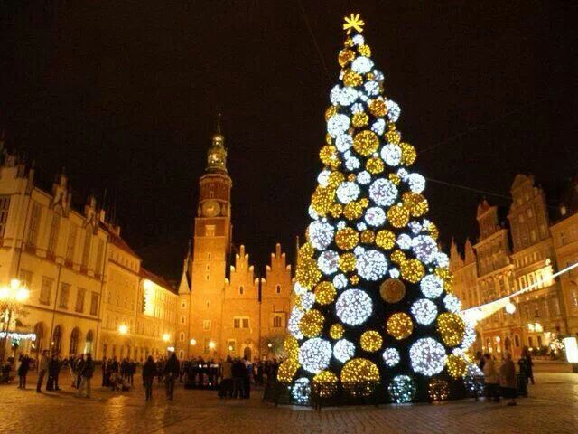 Christmas In Poland Holiday Decorating And Inspiration Pinterest