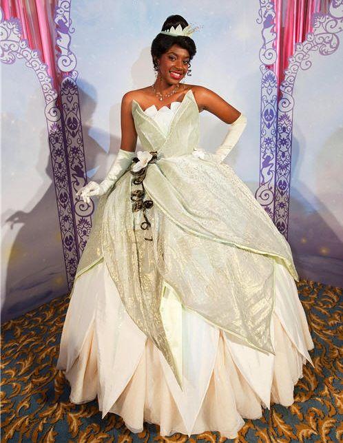 Tiana wedding dress disney real life princesses for Princess tiana wedding dress