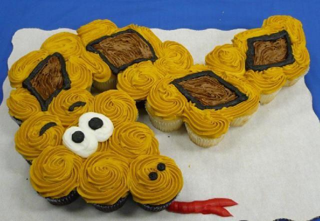snake cupcake