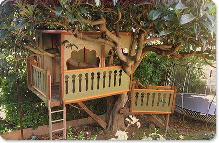 Backyard tree house playhouses for children pinterest for Best backyard tree houses