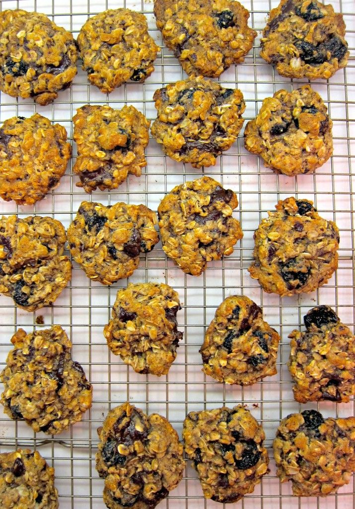 Blueberry And Cherry Oatmeal Cookies With White Chocolate Chips Recipe ...