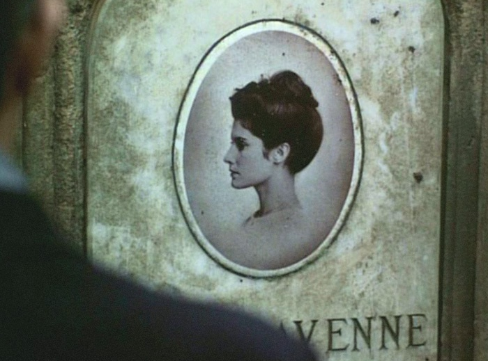 Chambre Bebe Vert Bleu Gris : La chambre verte (1978) François Truffaut  FILM STILLS  Pinterest