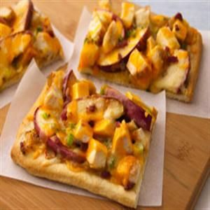 Pepper Jack/Cheddar Apple Chicken Pizza w/ Caramelized Onions....make ...