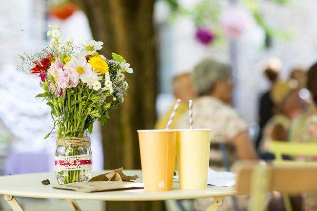 Deco pot en verre pour les fleurs deco mariage pinterest - Decoration pot en verre mariage ...
