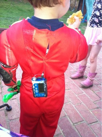 Used his pump as part of his robot costume ~ Cool Idea = ) #T1D #Halloween #Holiday #Diabetes #Type_One #costume