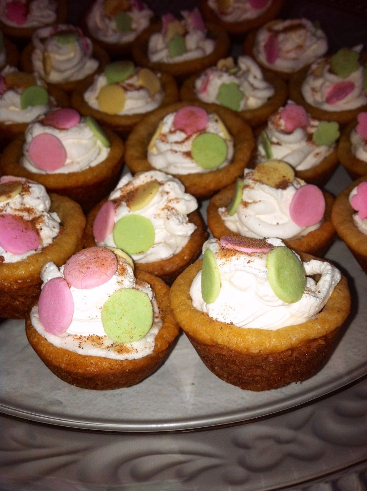 Lisa's sugar cookie tartlets with melted marshmallows, cool whip and ...