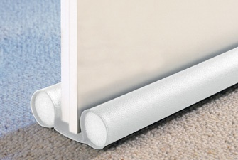 Insulating door draught excluder how to keep warm at - Comment isoler une porte phoniquement ...