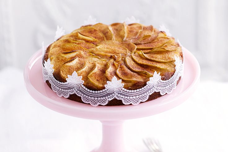 Apple tea cake - Easy to make and wonderfully soft, this sweet apple ...