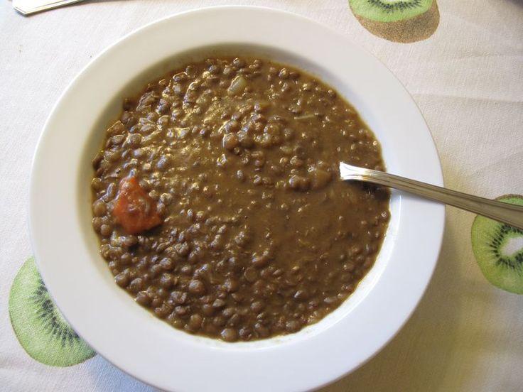 Spanish lentil soup (sopa de lentejas) -- vegetarian