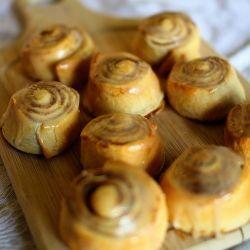 Pumpkin Cinnamon Rolls with Maple Cream Cheese Icing! 77 calories each ...