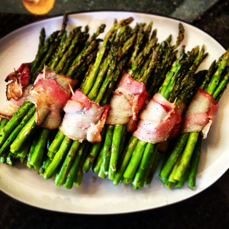 Grilled Asparagus with Bacon Belts | I Got the Munchies | Pinterest