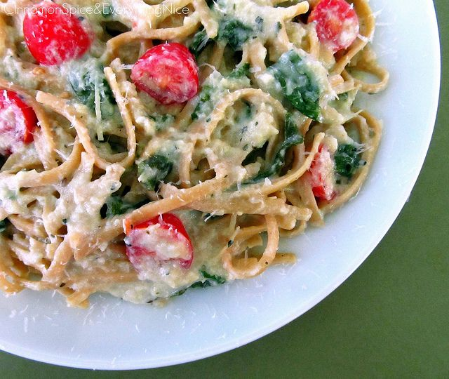 Pasta with Artichoke Sauce, Spinach and Tomatoes | Recipe
