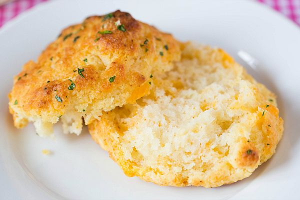 Red Lobster Cheddar Bay Biscuit Recipe. The best recipe that I've ...