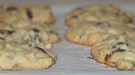 Pistachio, Sea Salt, and Dark Chocolate Chip Cookies (Recipe)